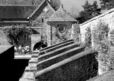 walled garden Packwood